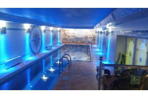 Архитектурная подсветка крытого бассейна